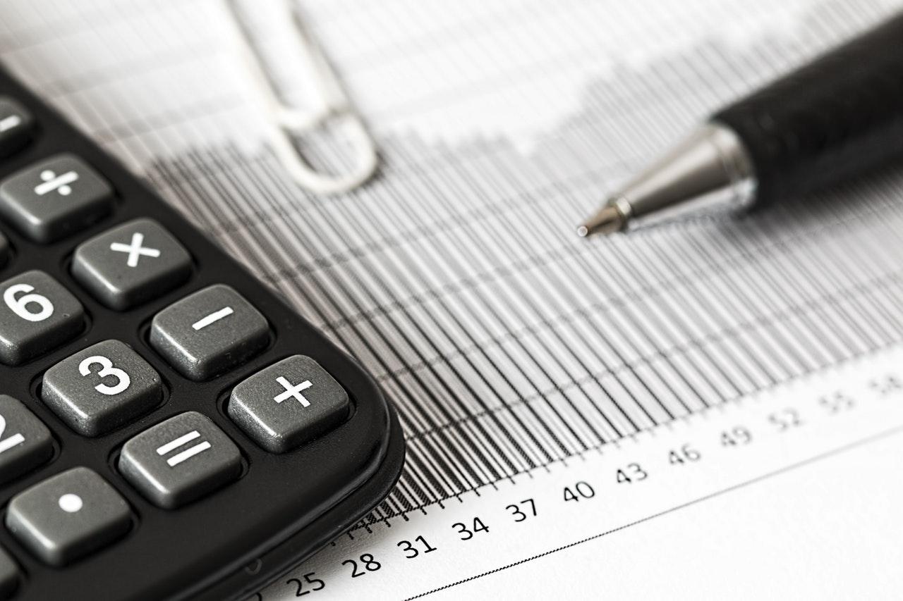 Få hjælp til bogføring og andre budgetmæssige opgaver